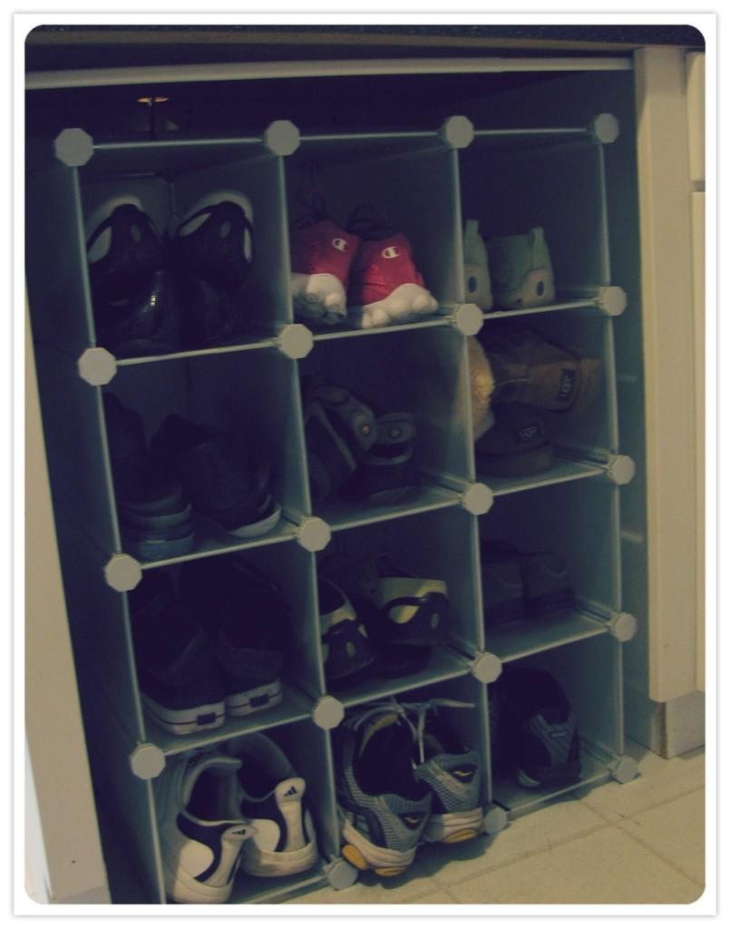 Julies Shoerack